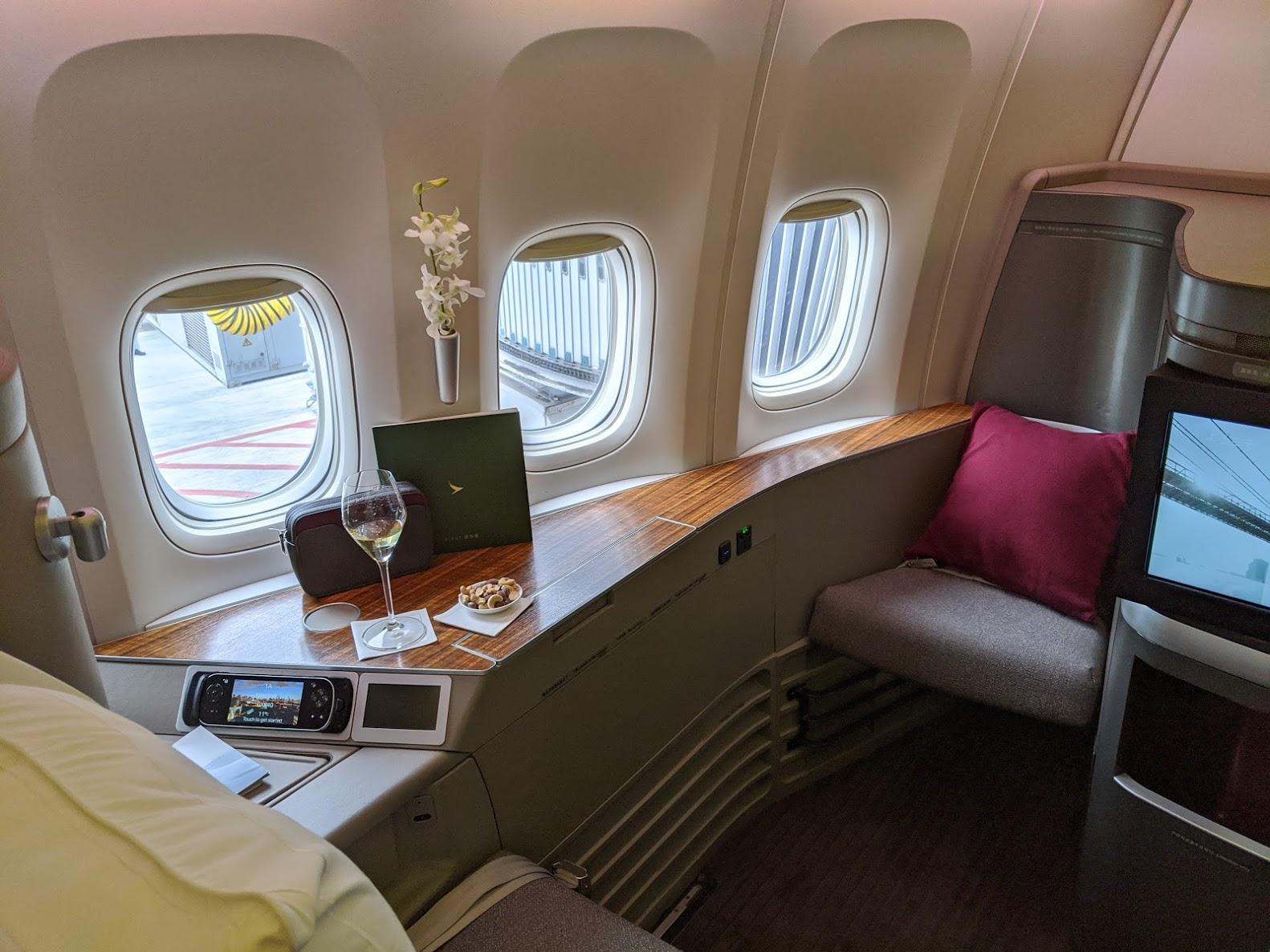 Review Cathay Pacific First Class 77w New Catering Bamford